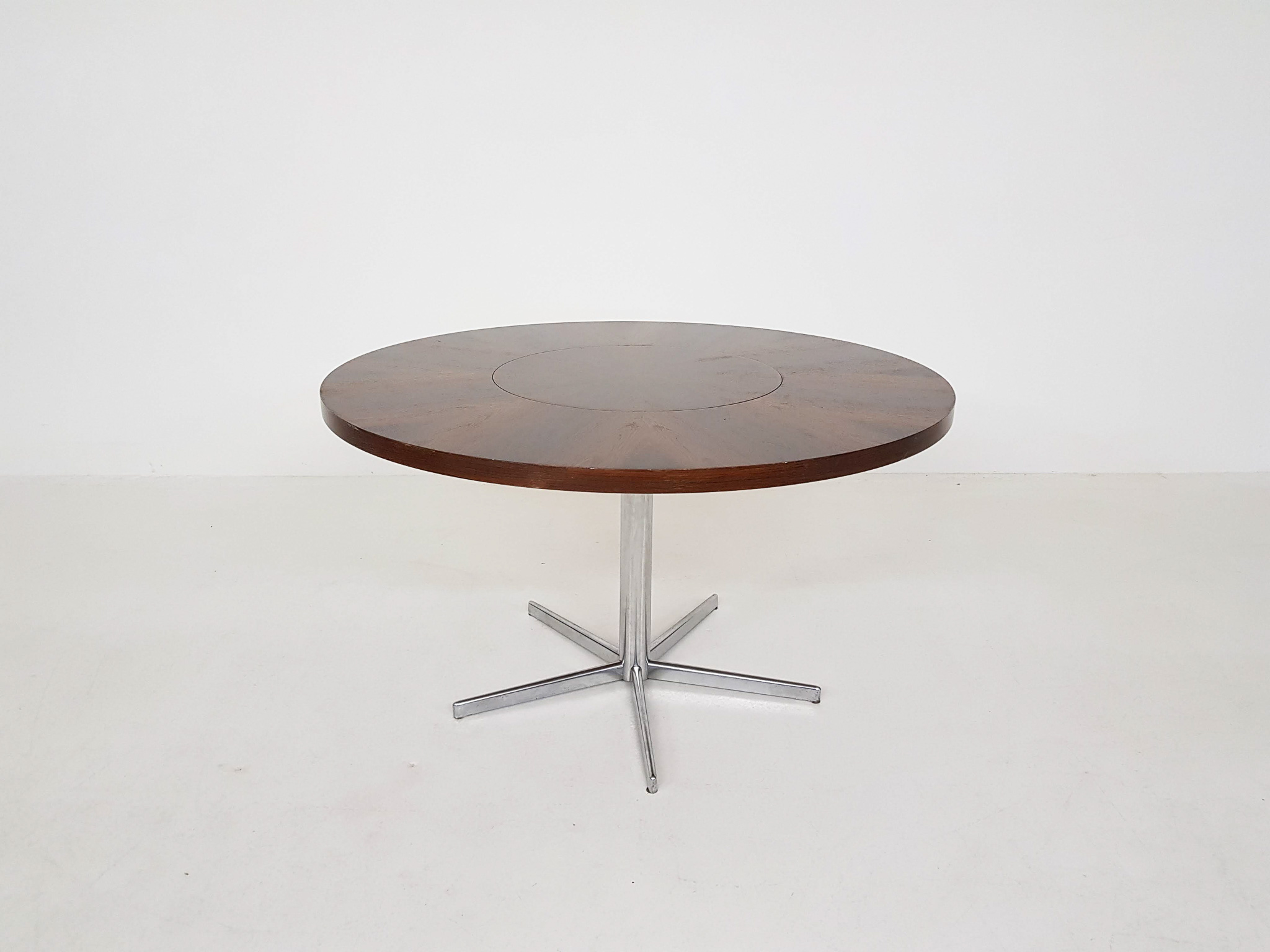 Round Rosewood Dining Table By Emü Germany 1960 S For Sale At Zo Goed Als Oud